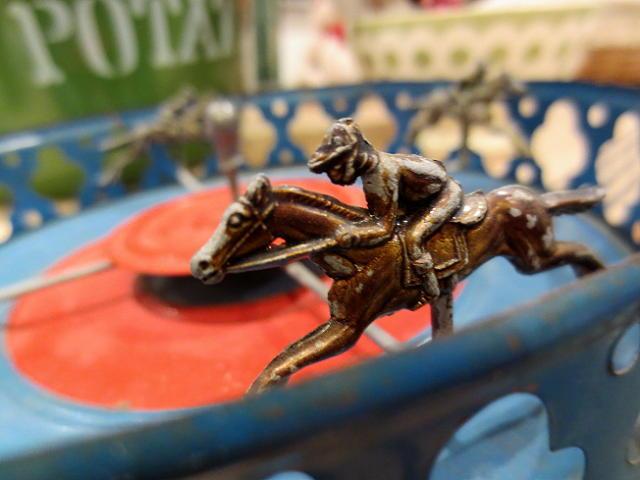 画像1: 競馬のおもちゃ
